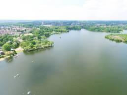 Vue aérienne de l'étang chabaud latour à Condé sur Escaut dans le Nord