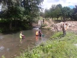 Photo de la pêche de sauvetage réalisée à Salesches en 2020